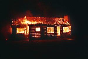 В Черкесске тушили пожар в частном доме